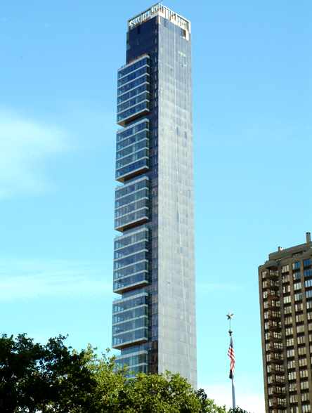 One Madison Park Condos are located near the Union Square Greenmarket.