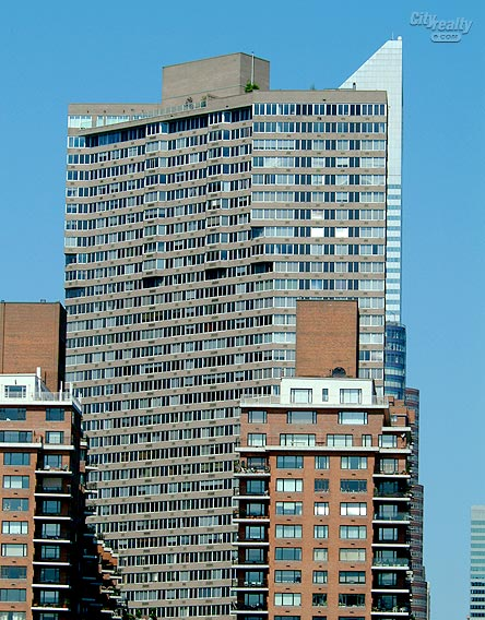 River Tower - 420 East 54th Street